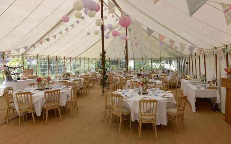 70x30 traditional marquee hire