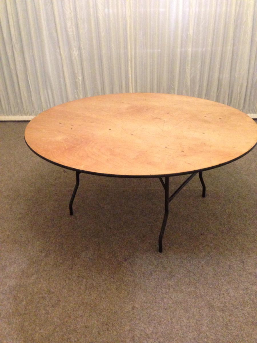 Small 5ft 6 round table