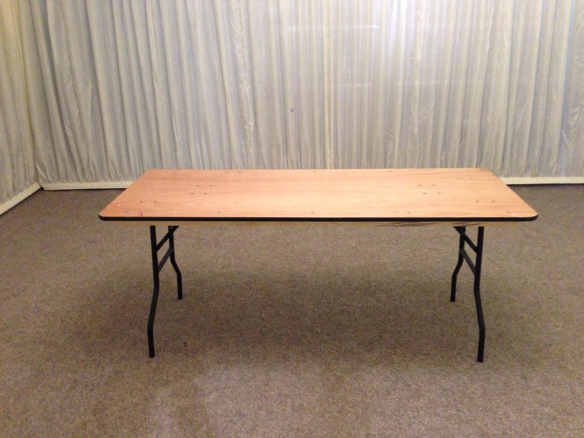 Small 6ft trestle table